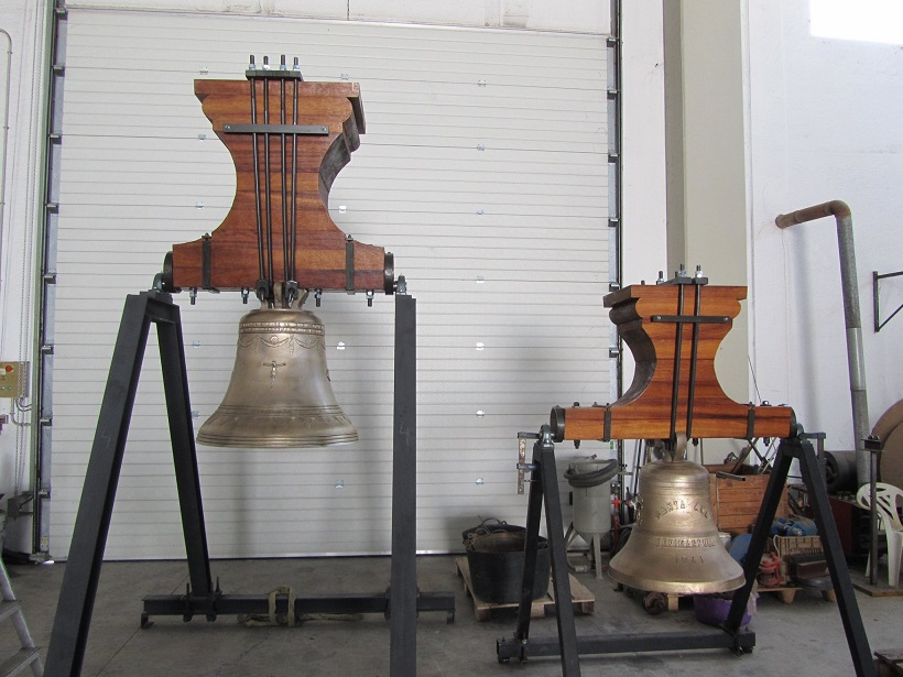 Benimarfull restaura las campanas de la parroquia