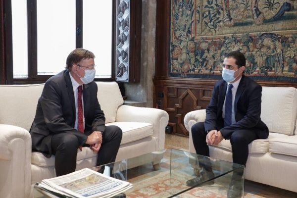 Reunió entre Puigi Francés en el Palau de la Generalitat