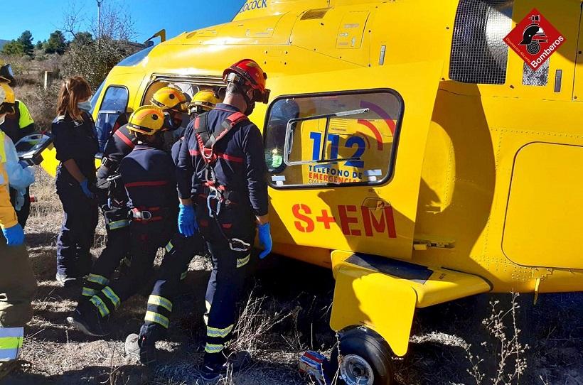 Dos motoristas heridos en un accidente en Benifallim