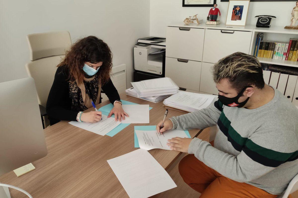 Ponts d'Igualtat signatura un conveni amb Togue's Legal Services