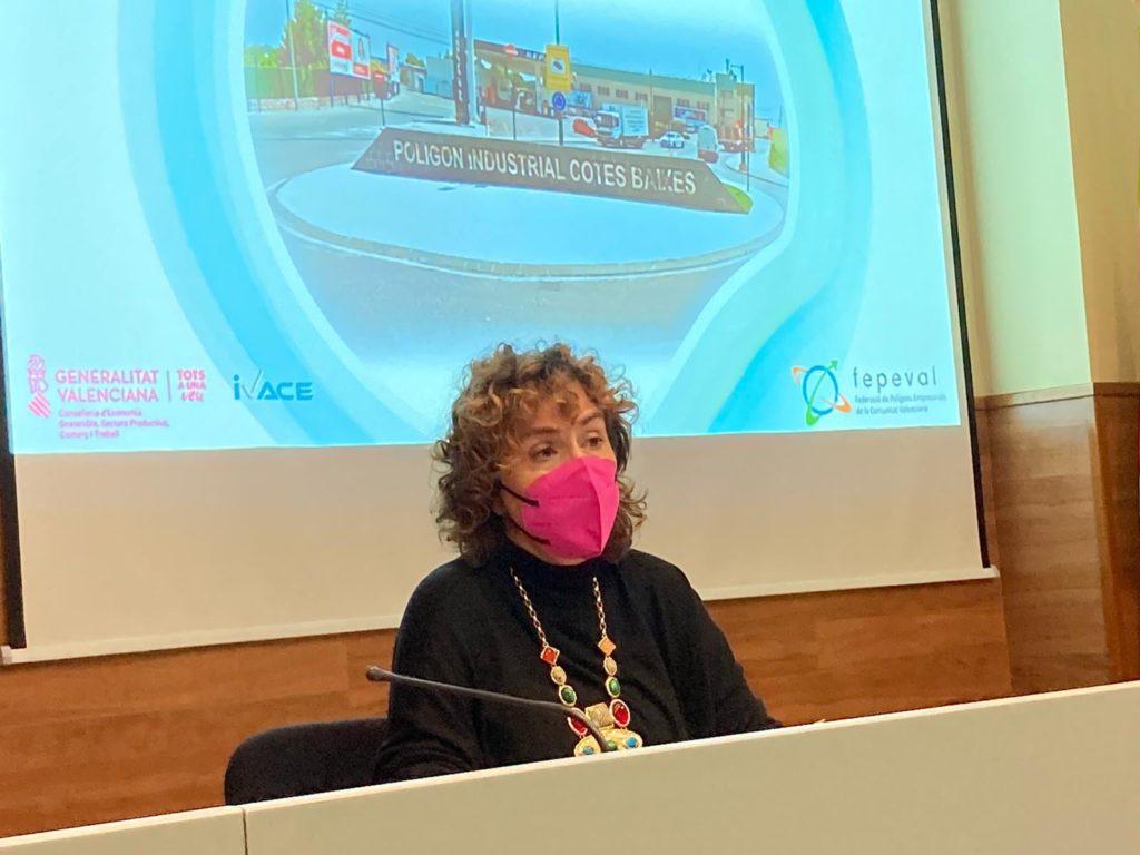 Júlia Company destaca l'esforç de les empreses de l'Alcoià