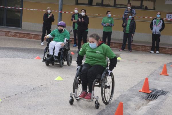 Gormaget celebra sus propias Olimpiadas con pruebas atléticas, slalom en sillas de ruedas y petanca