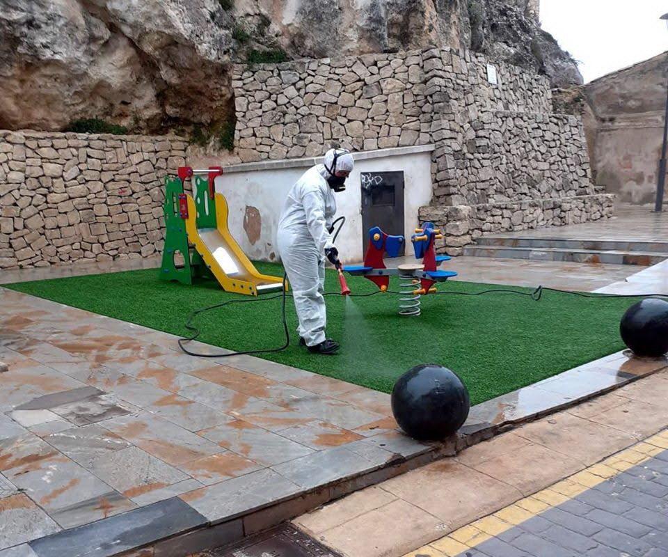 Banyeres contracta personal per a la desinfecció d'espais públics