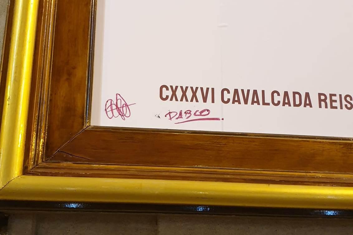 Identifican al autor de las pintadas en el cartel de la Cabalgata