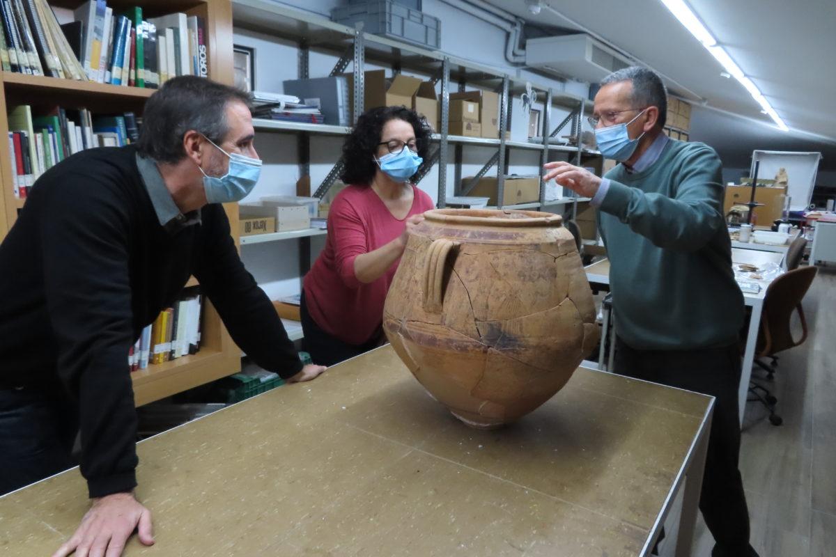 Restaurat el got ibèric trobat en Cabeço de Mariola