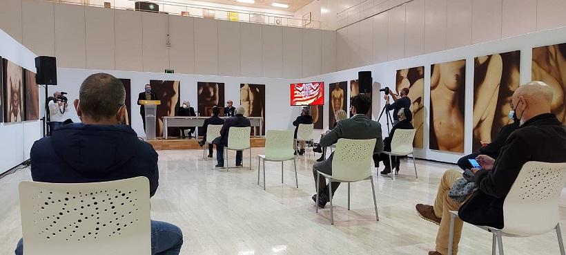 'Antoni Miró, de Museu' con Clara Simó en el recuerdo
