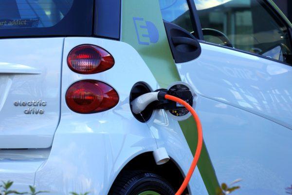 Reben 63 sol·licituds d'ajuntaments per a la instal·lació de punts de recàrrega de vehicles