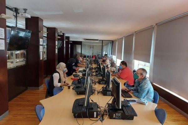 El taller d'alfabetització digital conclou amb 45 participants