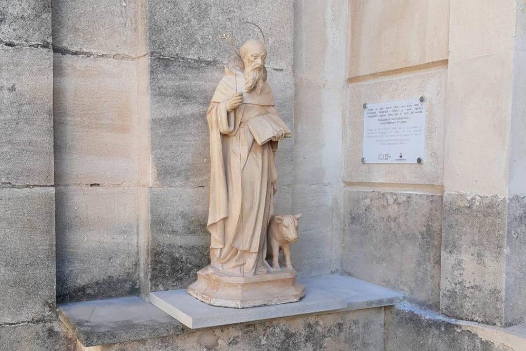 La imatge de Sant Antoni ja llueix restaurada