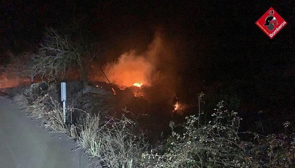 Incendi forestal en el Barranc del Port Trencat d'Agres