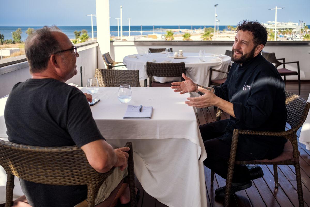 Peix i Brases con José Manuel López, los pies en el suelo y el mar en la mesa. Cocina fresca, y de proximidad.