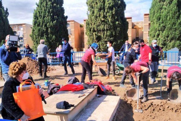 Piden colaboración para localizar los familiares de víctimas en las fosas comunes de Alicante