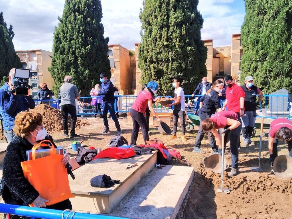 Demanen col·laboració per a localitzar els familiars de víctimes en les fosses comunes d'Alacant