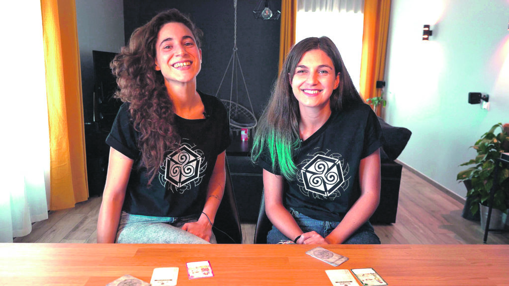 'Ultreia', un juego de cartas ideado por una alcoyana