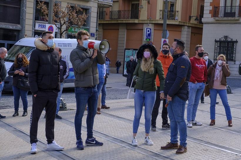 Protesta en la Bandeja de un grupo de hosteleros