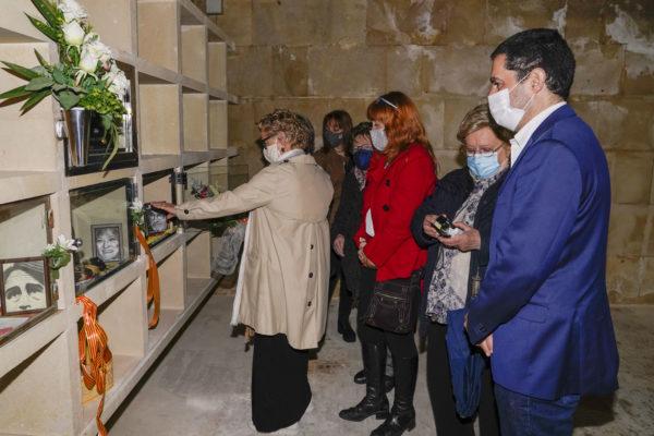 El pintor Sento Masià ja descansa al costat d'Ovidi Montllor i Isabel-Clara Simó