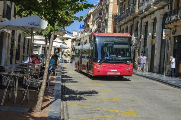 Plantegen microbusos per a millorar el servei en el Centre