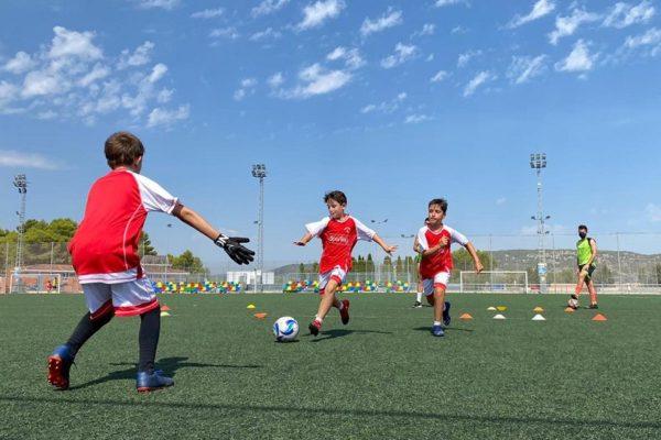 Hui arranca el Campus de Futbol 'Jorge Molina'
