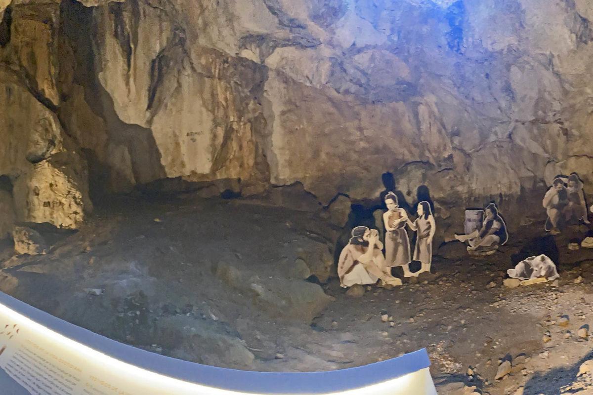 Anul·len una ruta senderista nocturna a la Cova de l'Or