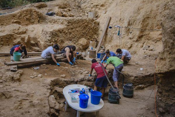 Noves troballes arqueològiques de la vida de fa 50.000 anys