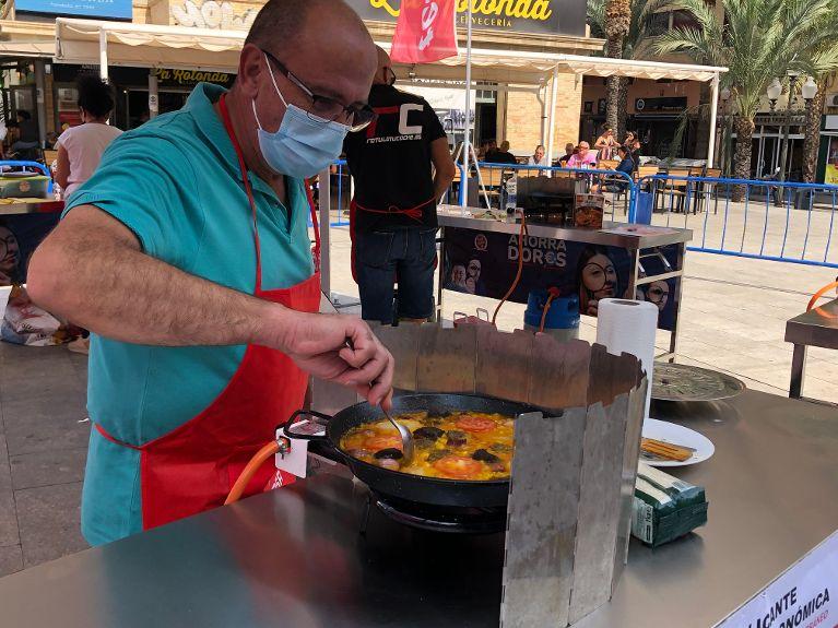 820 cuiners participen en el Concurs Millor Arròs del Mediterrani