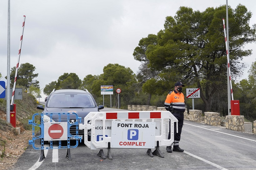 Limiten l'accés amb cotxe a la Font Roja en festius i períodes de gran afluència