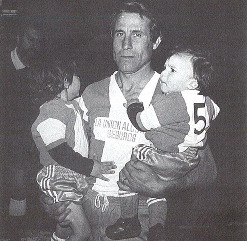 Mor Paqui, el jugador que més vegades va vestir la samarreta de l'Alcoià