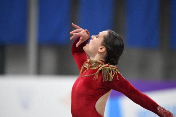 Andrea Silva peleará mañana por las medallas en el Mundial de patinaje